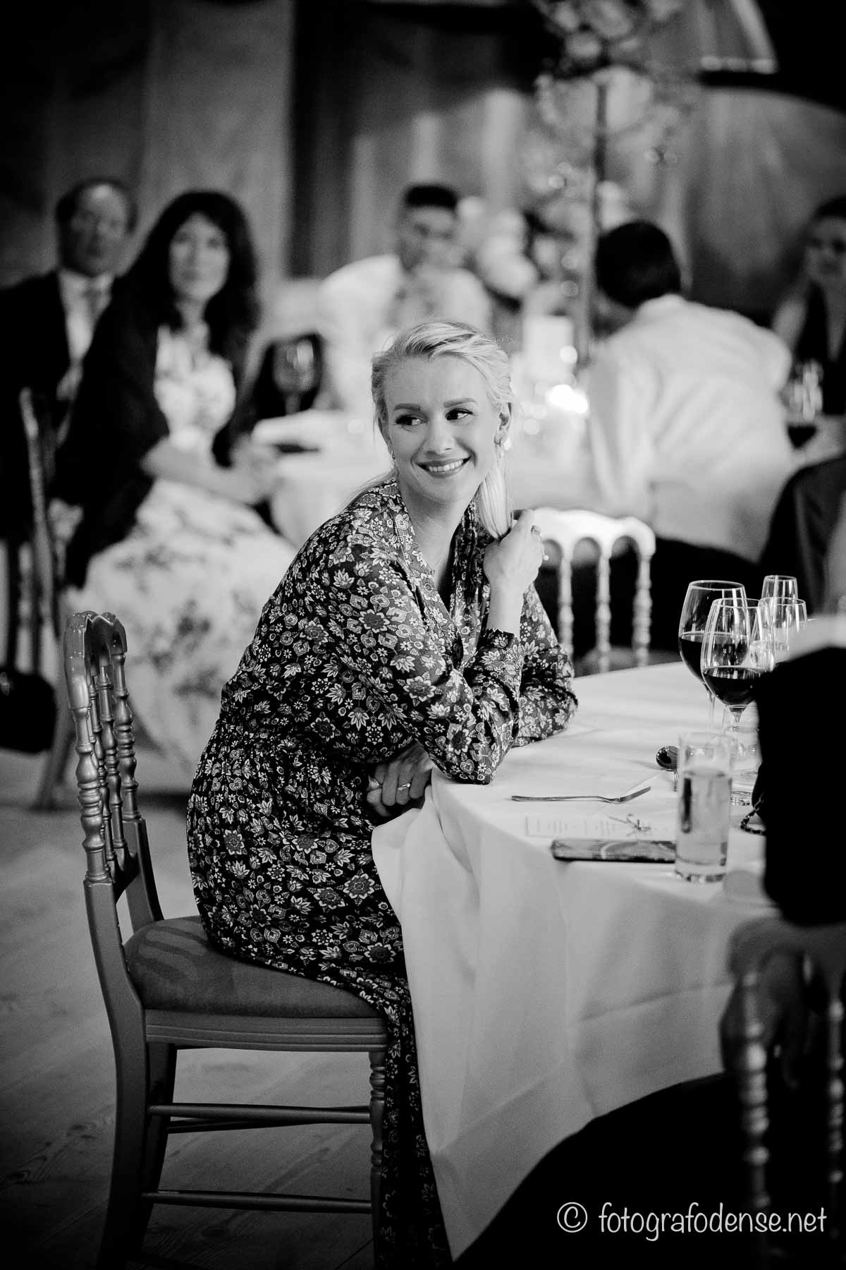 Bryllupsfotos - Slotsparken med egen fotograf